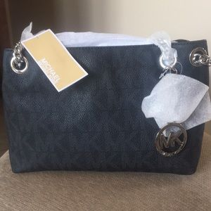 NWT Michael Kors shoulder bag, chain accents